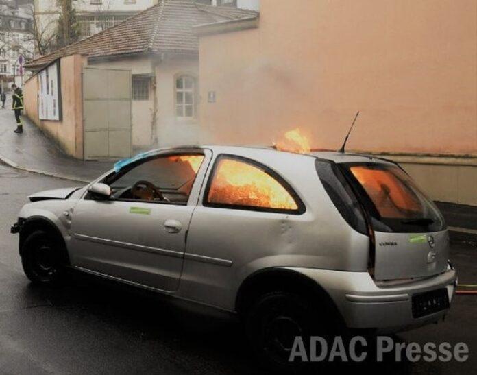 image 1 132 696x547 - Unfall im Ausland: So schützen sich Autofahrer vor Ärger / Auslandsschadenschutz bietet ein Plus an Sicherheit und Unterstützung
