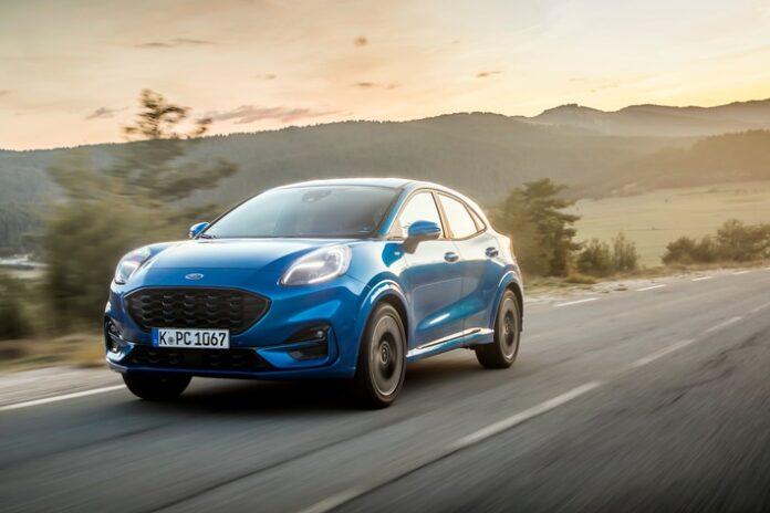 """image 1 14 696x464 - Sehr praktisch, sehr schick: Ford Puma ist Design-Sieger seiner Klasse bei Wahl zum """"Familienauto des Jahres"""" 2021"""