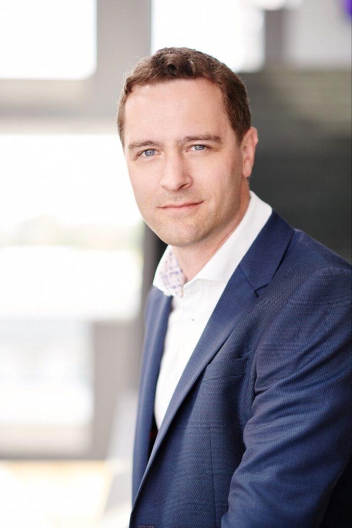 image 1 254 696x1043 - Christian Schenk wird zum 1. Oktober neuer Vorstand für Finanzen und IT bei ŠKODA AUTO