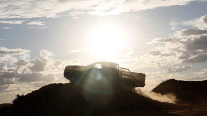 image 1 35 696x392 - Ford zeigt erste Bilder und Teaser-Video der neuen Ranger-Generation